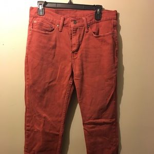 Men 514 Levi's Sz 32-39 cranberry color